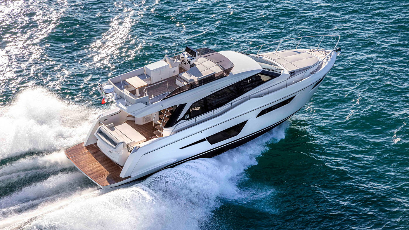 Ferretti Yachts 500 - exteriores - Yachtmax (1)
