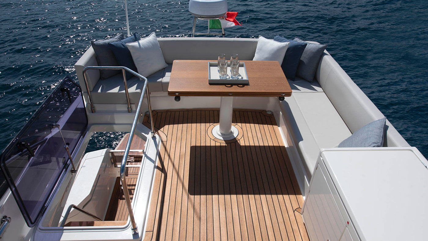 Ferretti Yachts 500 - exteriores - Yachtmax (11)