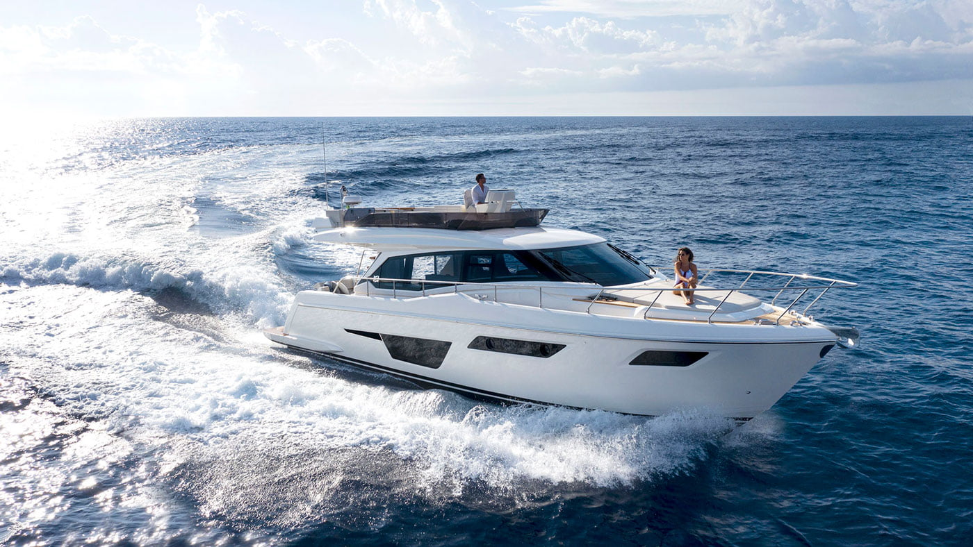 Ferretti Yachts 500 - exteriores - Yachtmax (2)