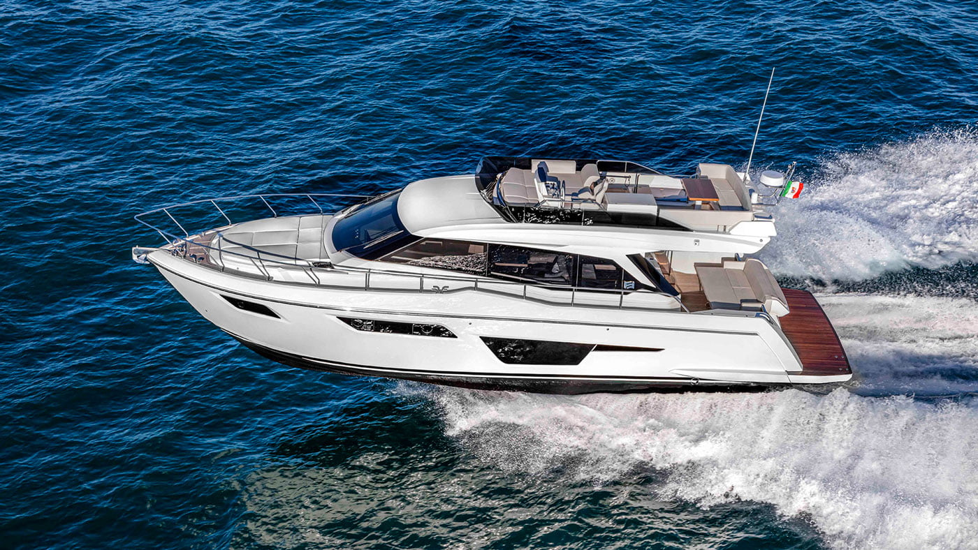 Ferretti Yachts 500 - exteriores - Yachtmax (3)