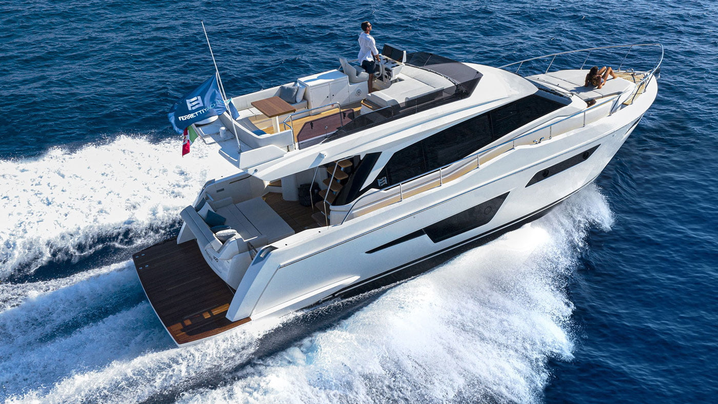 Ferretti Yachts 500 - exteriores - Yachtmax (4)