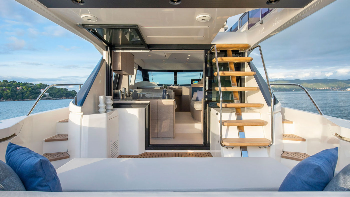 Ferretti Yachts 500 - exteriores - Yachtmax (9)