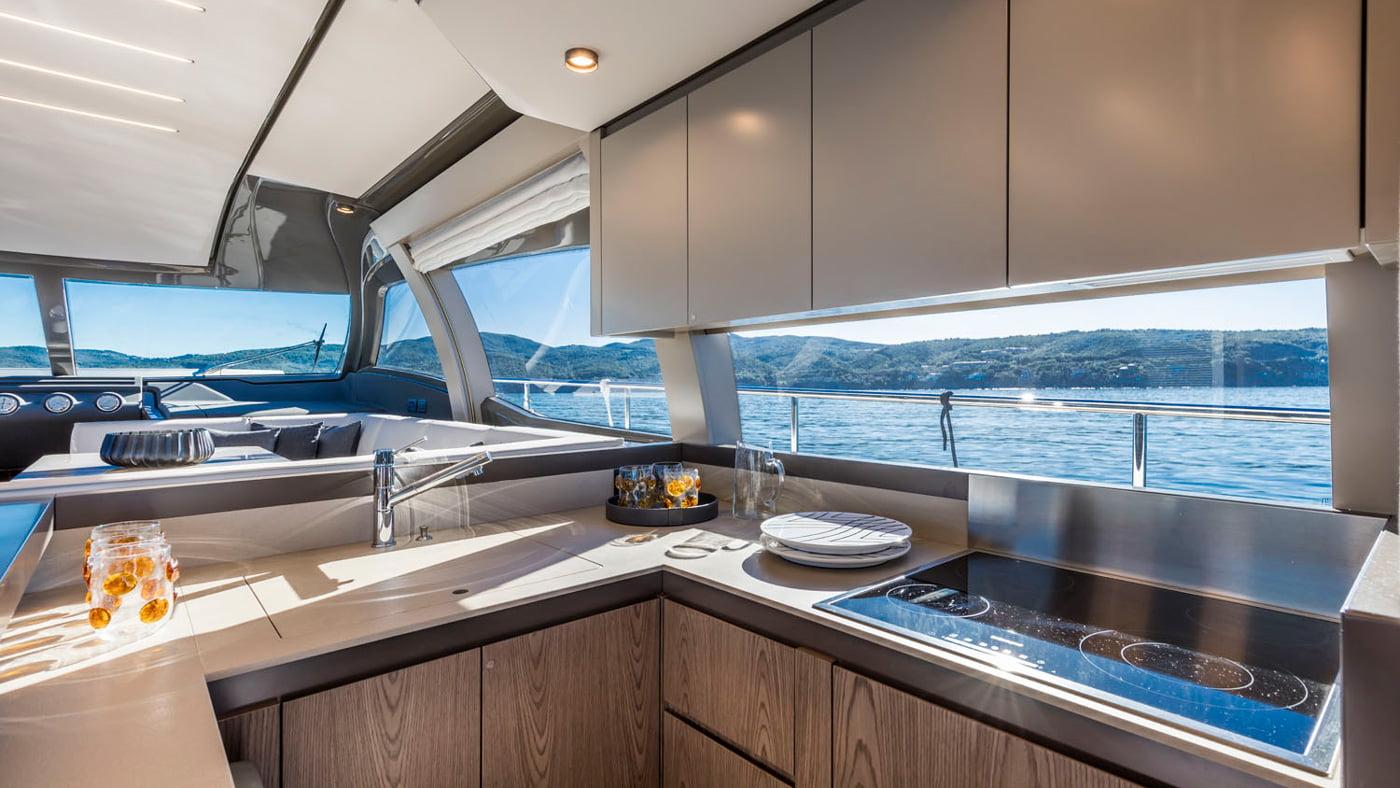 Ferretti Yachts 550 - interiores (3)