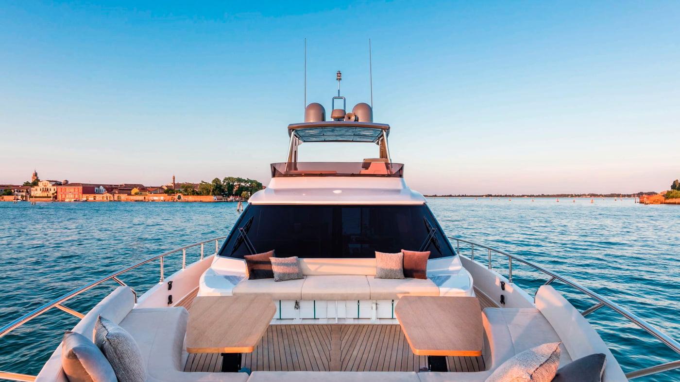 Ferretti Yachts 670 - exteriores (5)