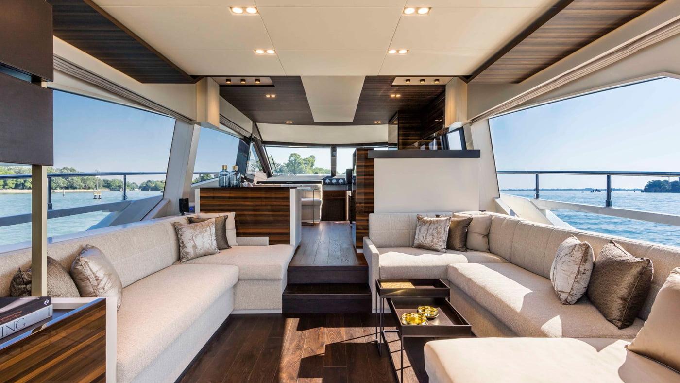 Ferretti Yachts 670 - interiores (1)