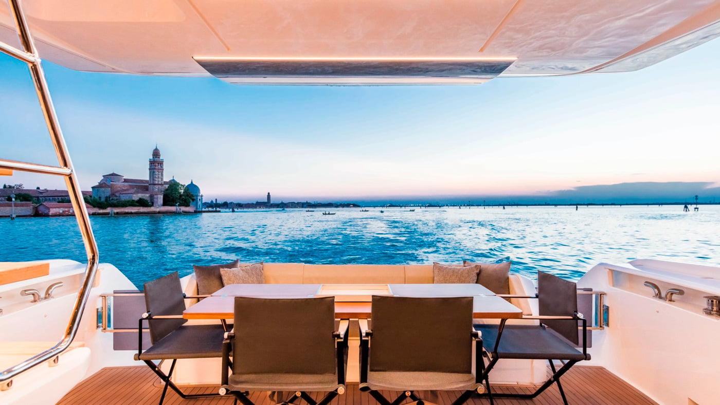 Ferretti Yachts 670 - interiores (10)