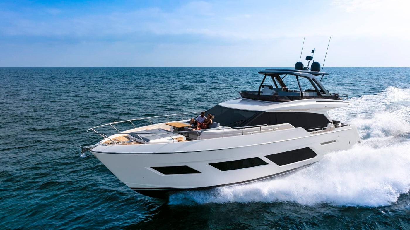 Ferretti Yachts 720 - exteriores (7)