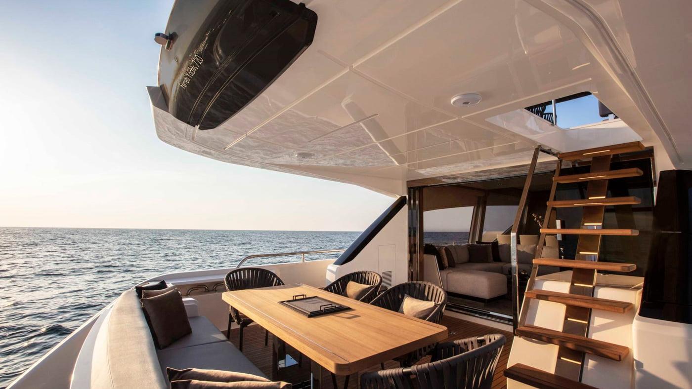 Ferretti Yachts 720 - interiores (10)