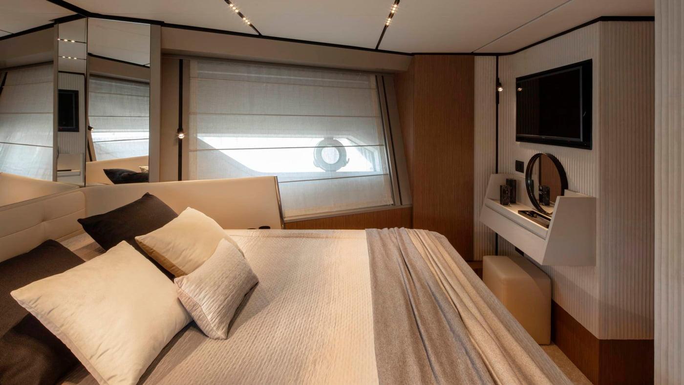 Ferretti Yachts 720 - interiores (5)
