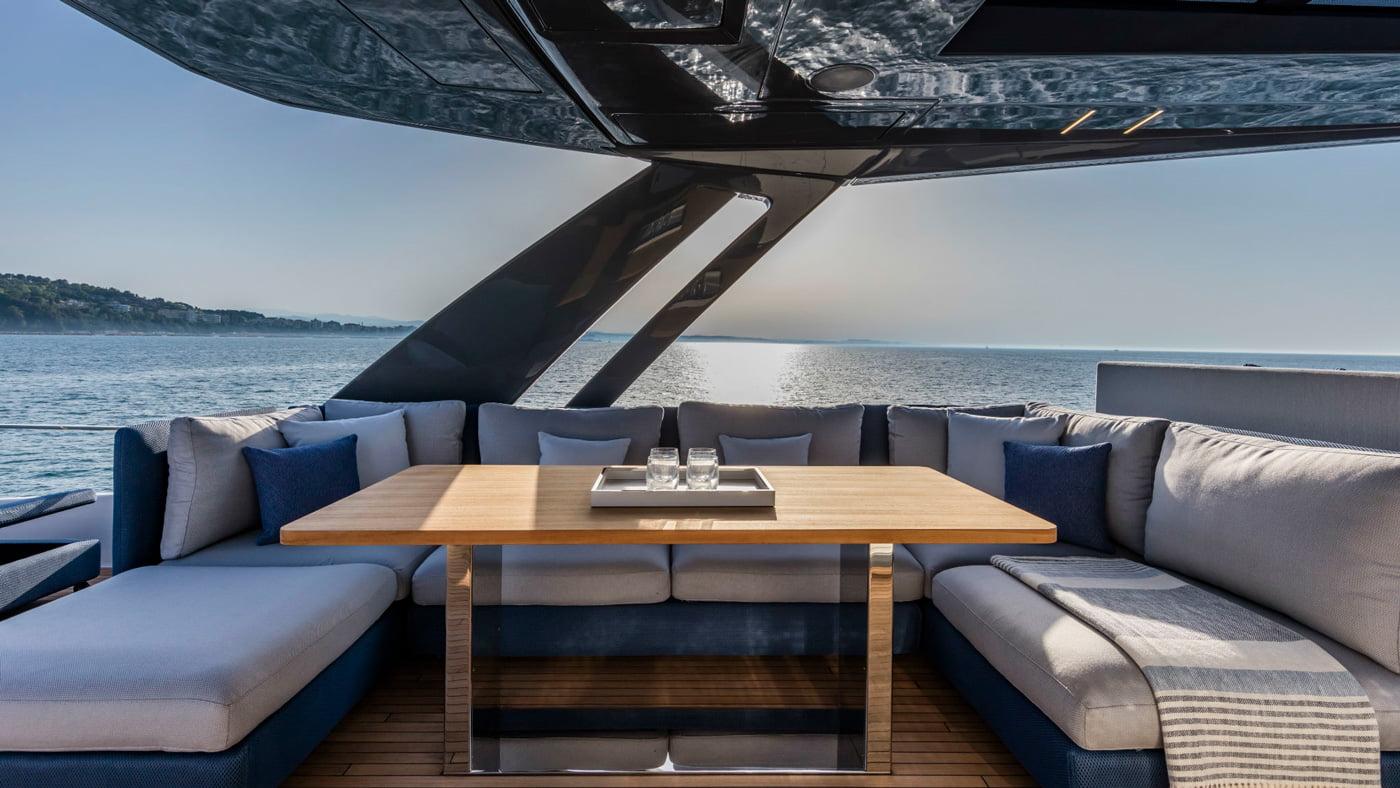Ferretti Yachts 780 - exteriores (8)