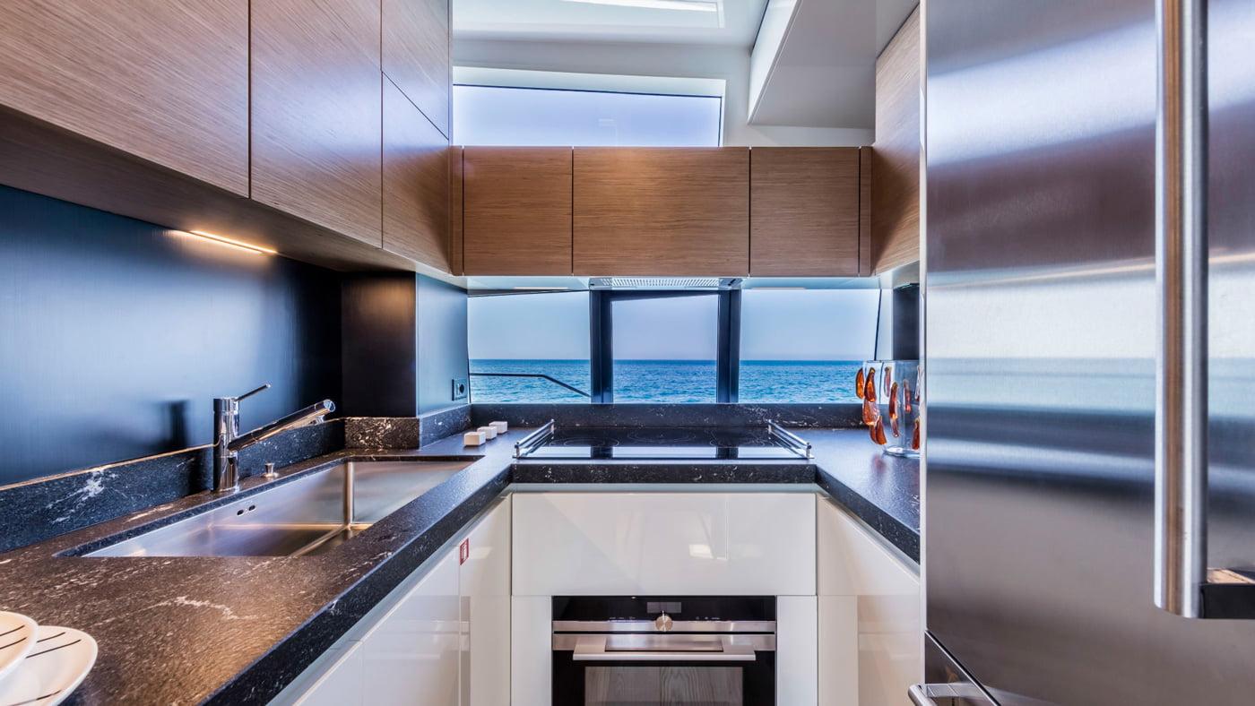 Ferretti Yachts 780 - interiores (7)