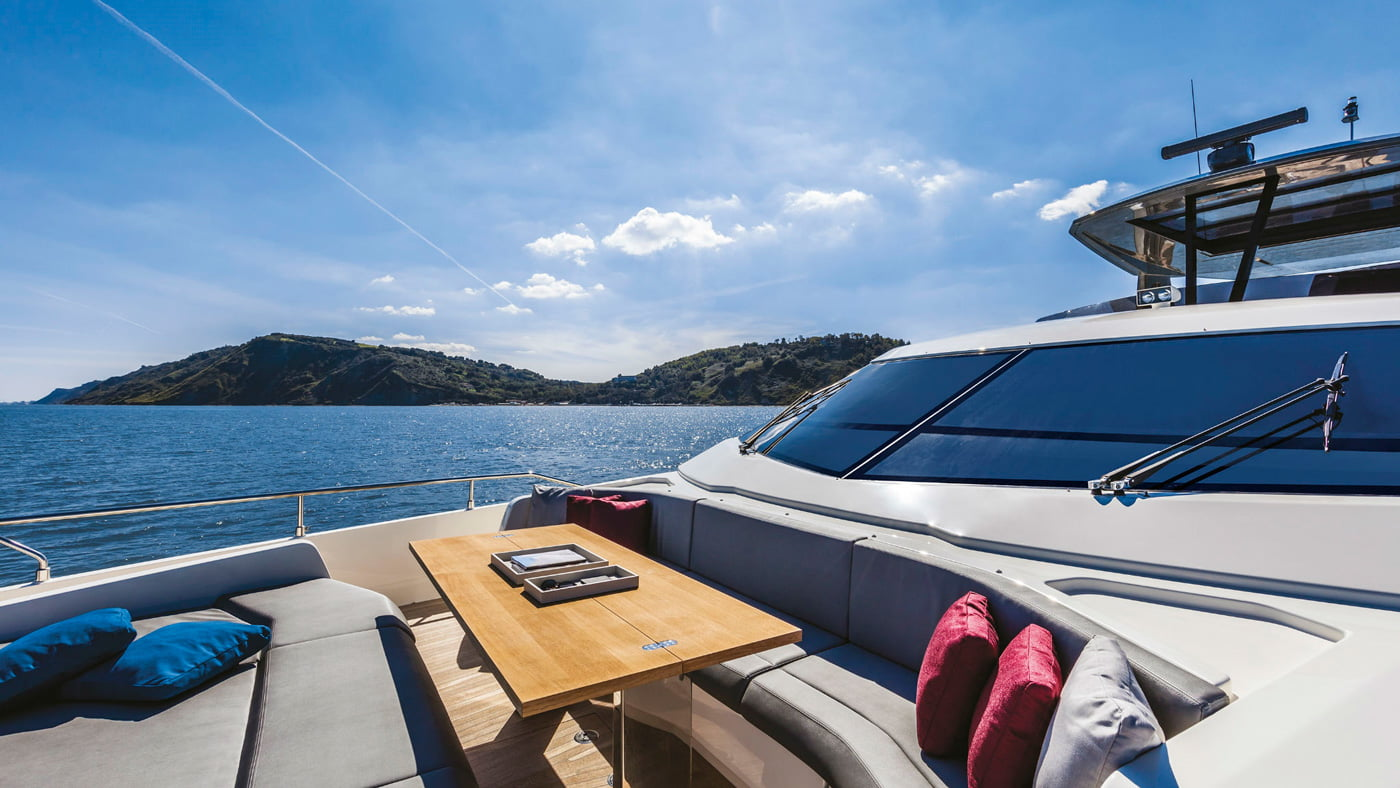 Ferretti Yachts 850 - externas(10)