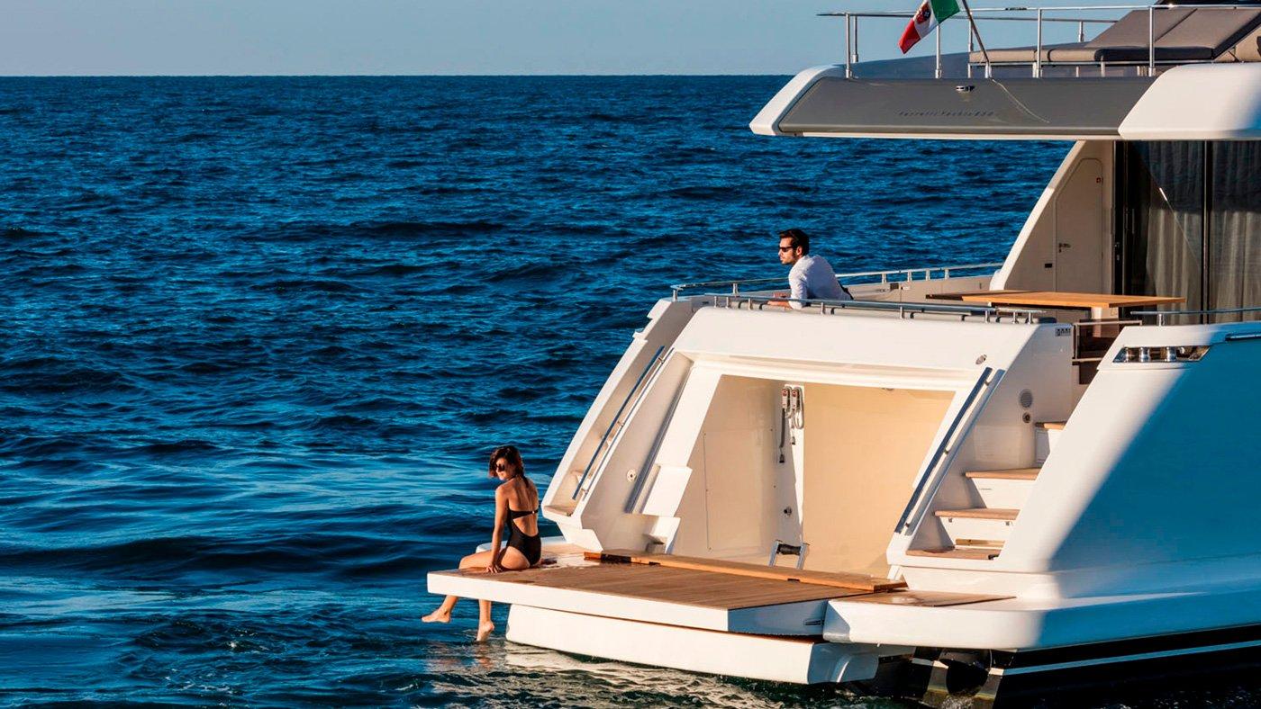 Ferretti Yachts 850 - externas(11)
