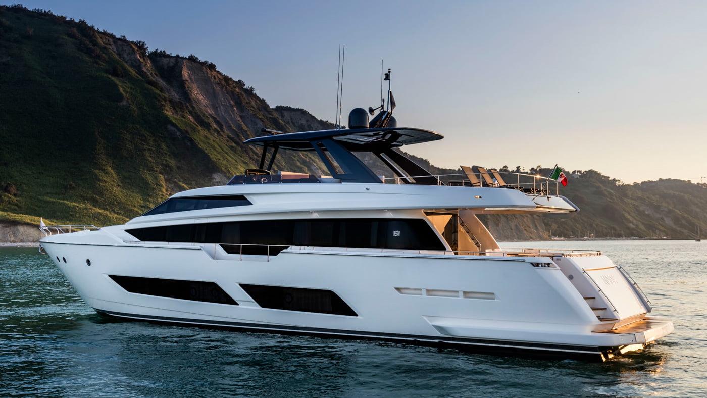 Ferretti Yachts 850 - externas(2)