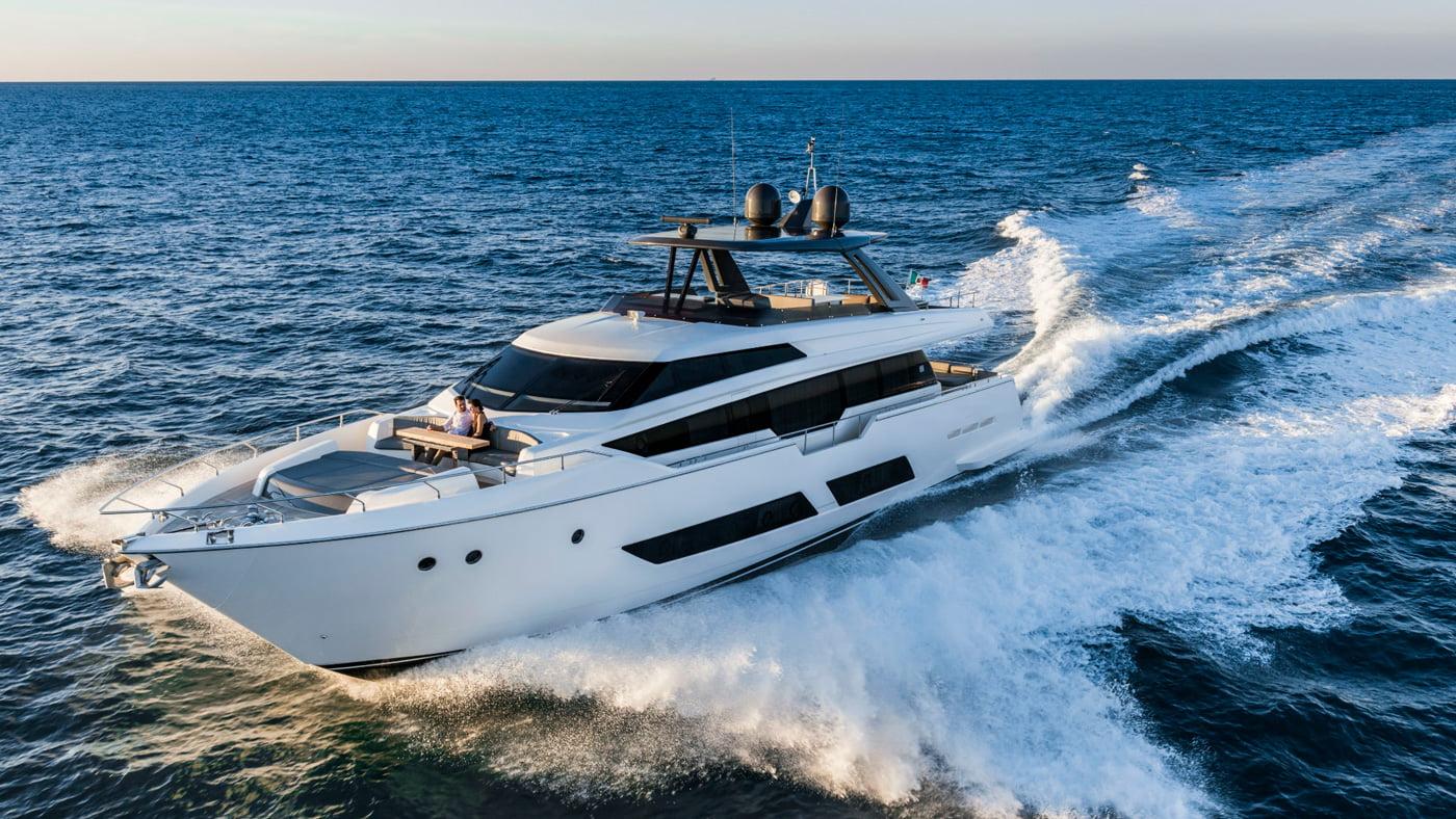 Ferretti Yachts 850 - externas(3)