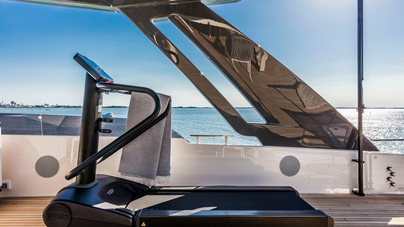 Ferretti Yachts 850 - externas(7)