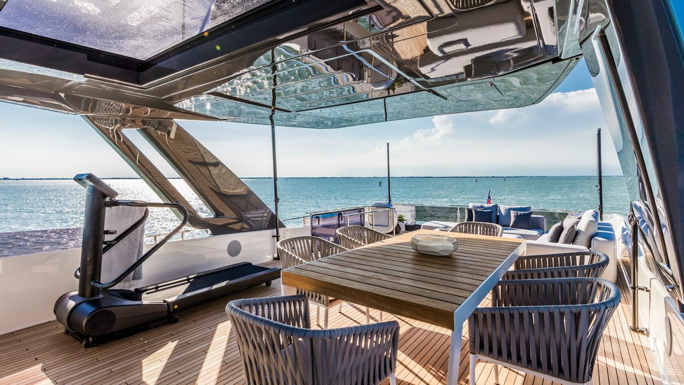 Ferretti Yachts 850 - externas(9)