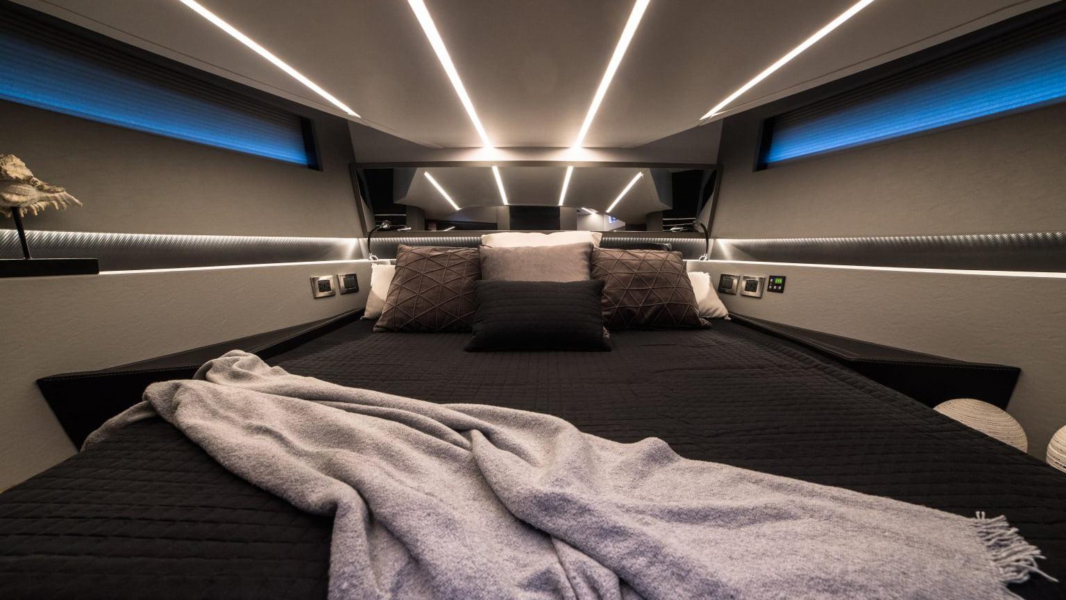 Okean 55 sport-ht - interiores (10)