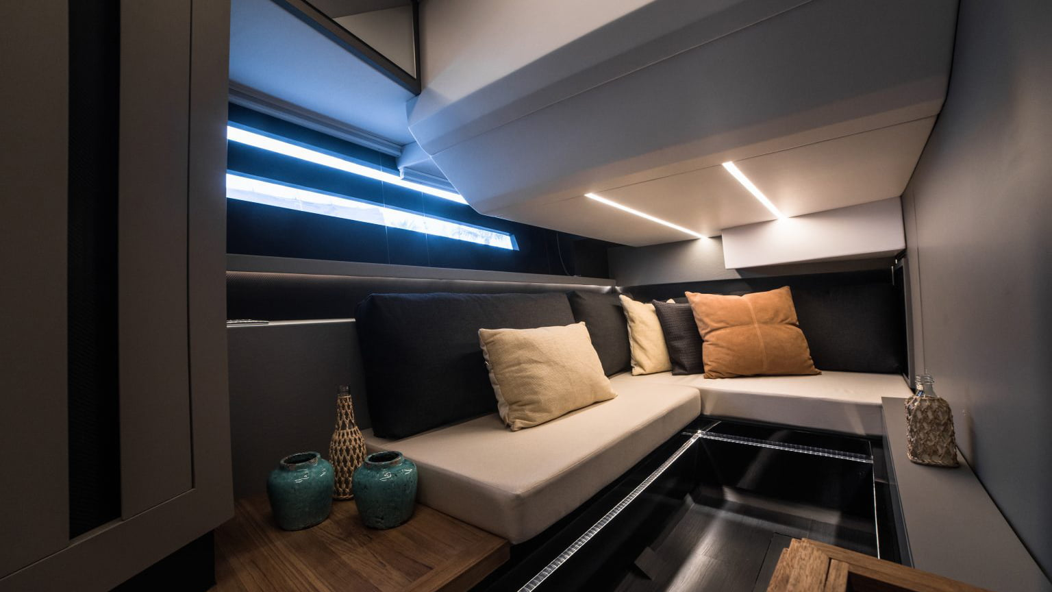 Okean 55 sport-ht - interiores (11)