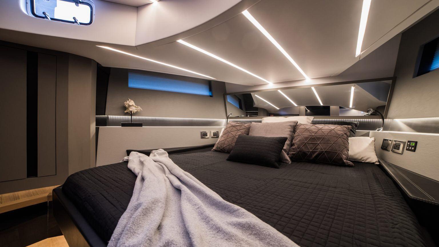 Okean 55 sport-ht - interiores (8)