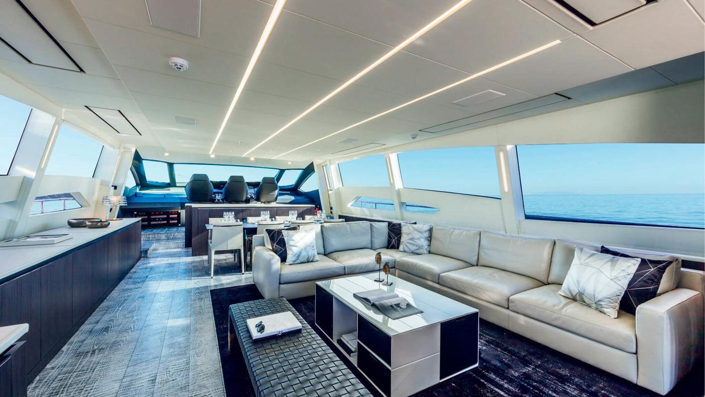 Pershing 108 - interiores (1)