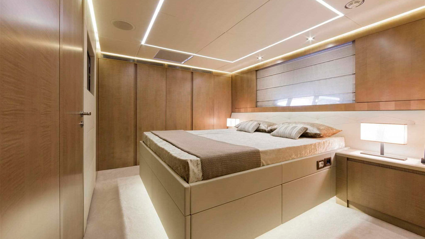 Pershing 108 - interiores (7)