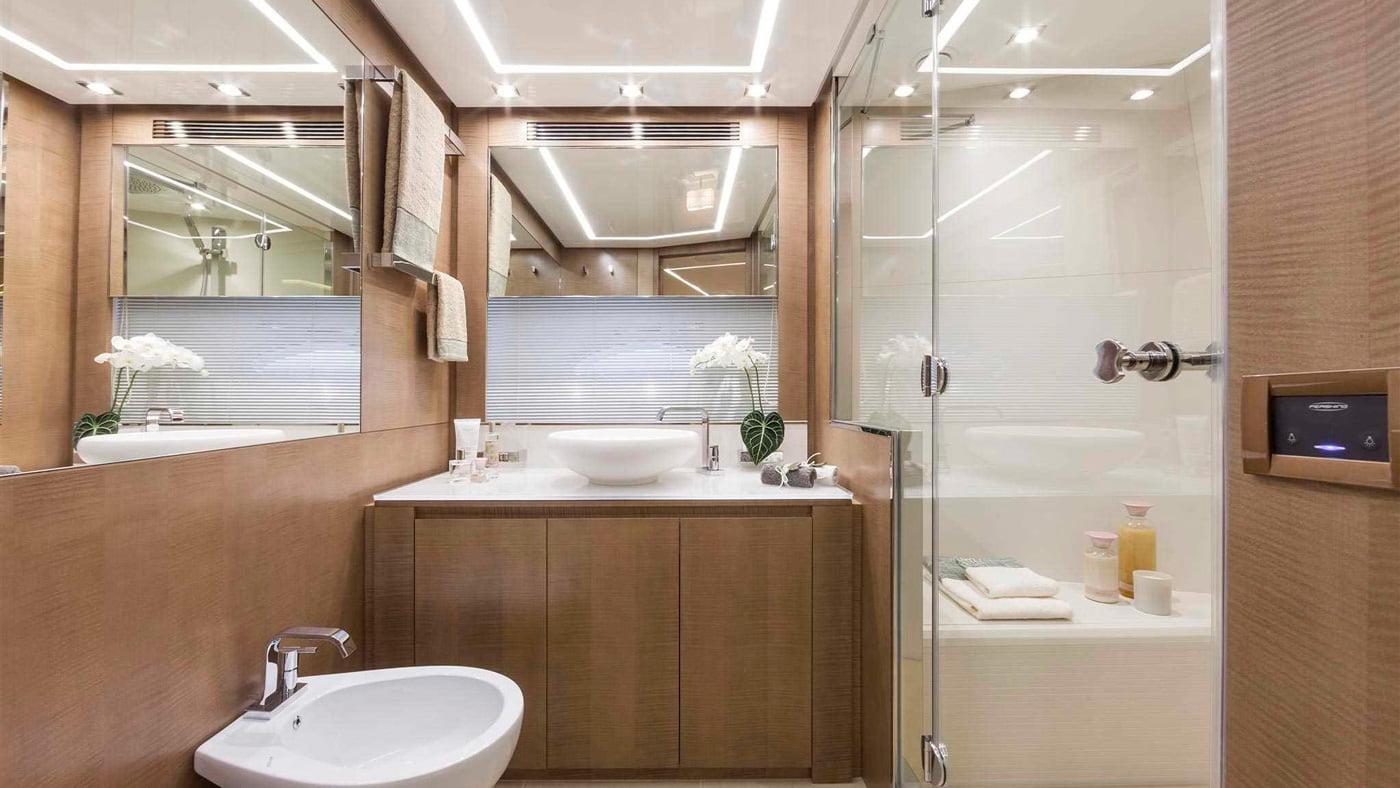 Pershing 108 - interiores (8)
