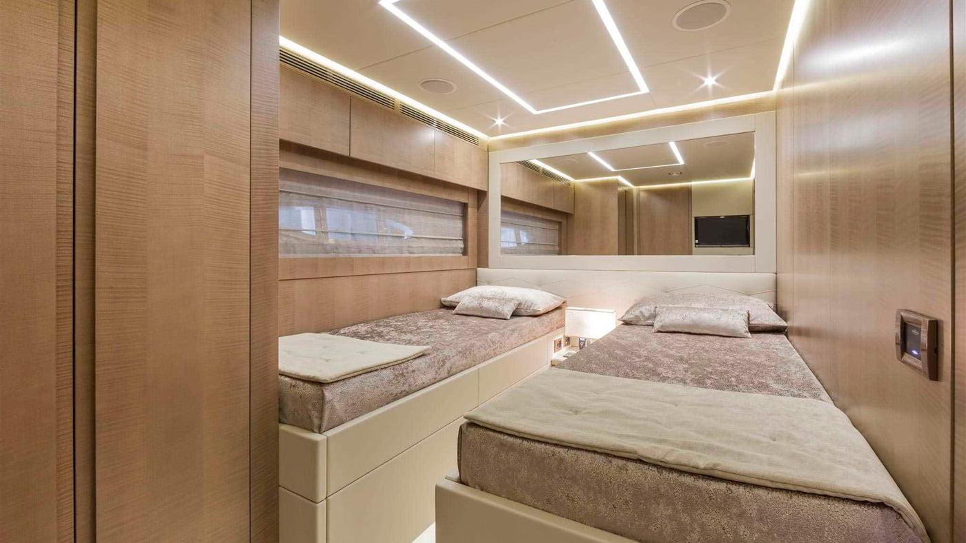 Pershing 108 - interiores (9)