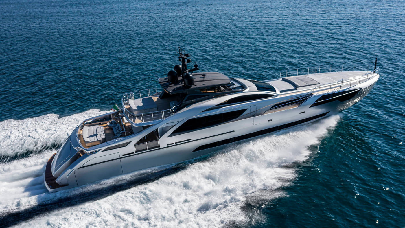 Pershing-140-exteriores-(1)