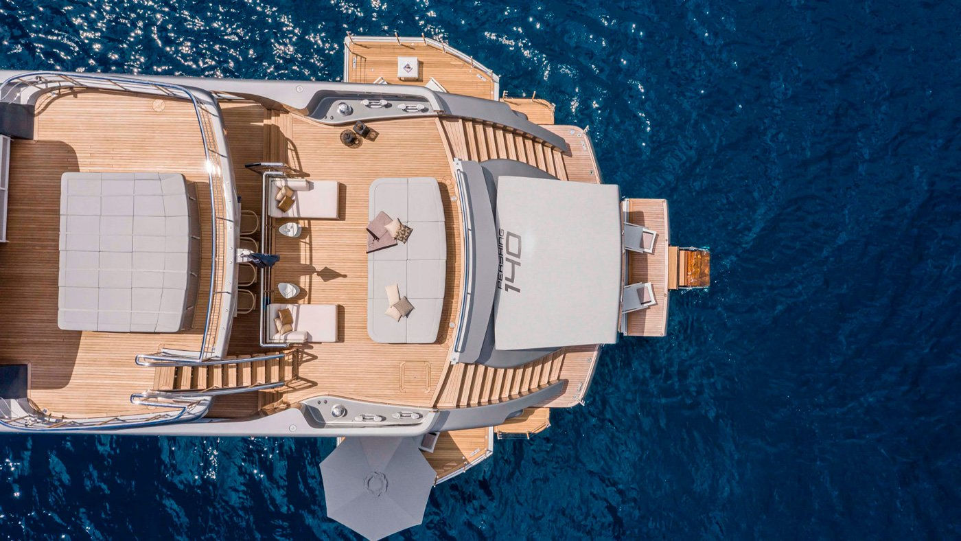 Pershing-140-exteriores-(10)