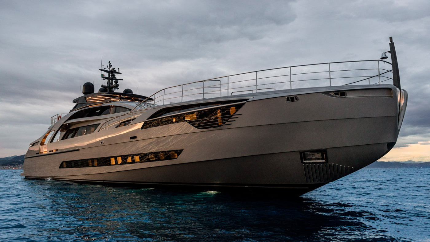 Pershing-140-exteriores-(8)