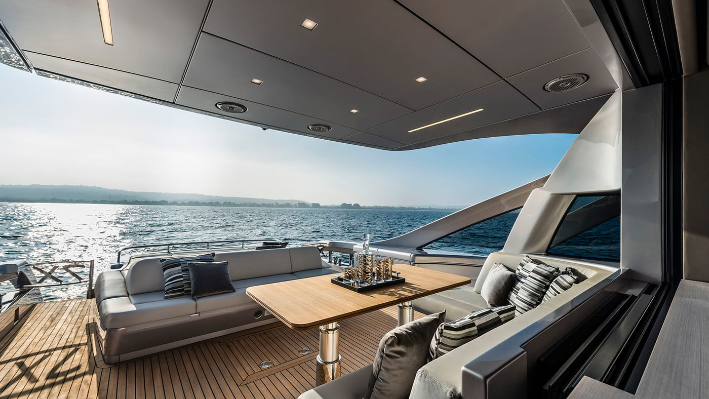 Pershing 7x - exteriores (11)