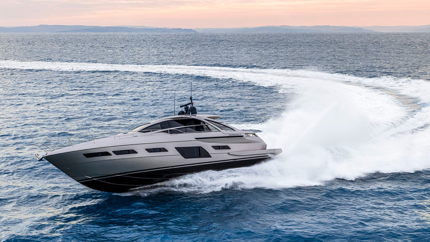 Pershing 7x - exteriores (15)