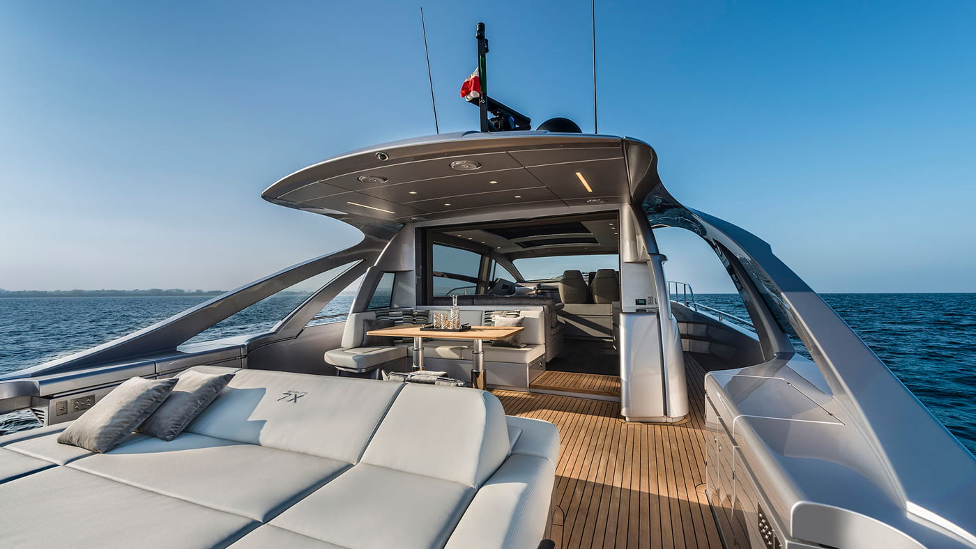 Pershing 7x - exteriores (8)