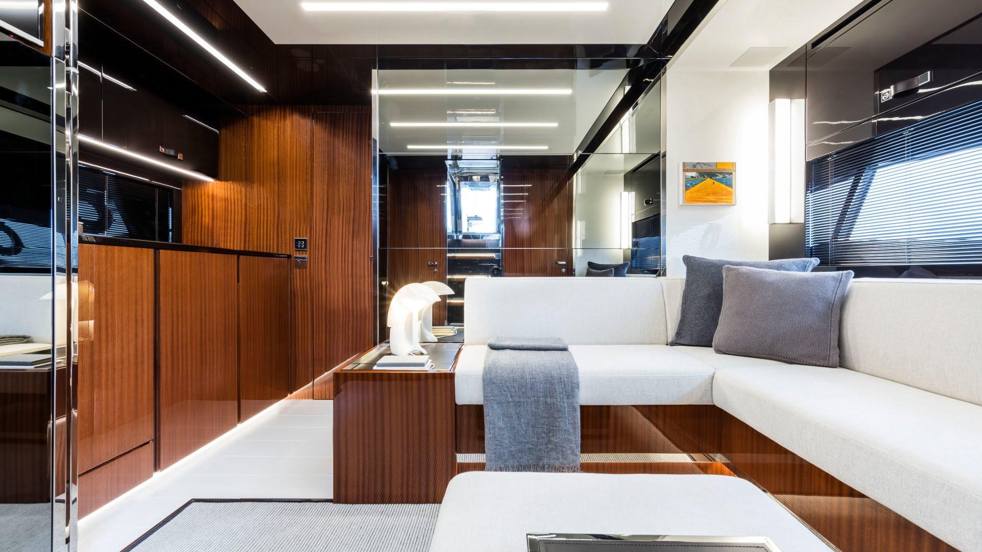 Riva-56-Rivale-interiores (3)