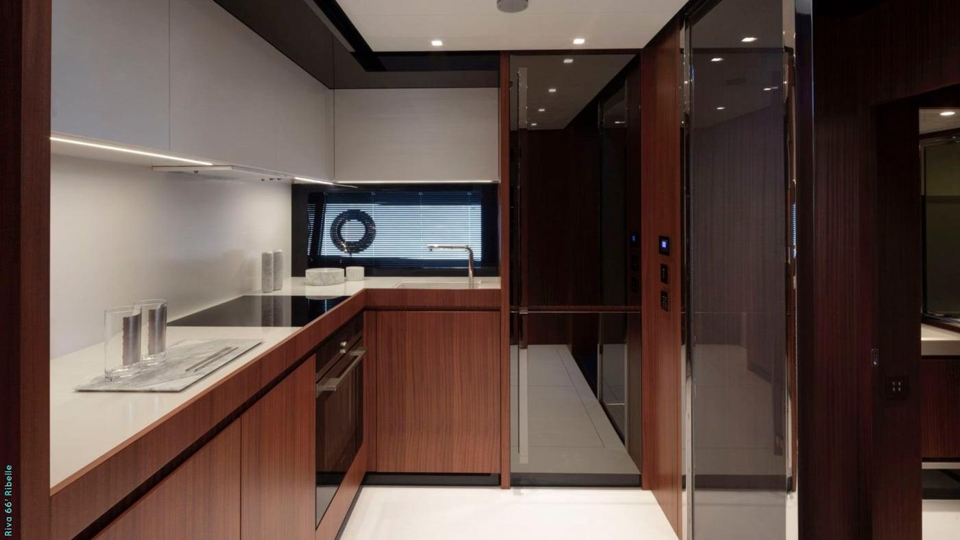 Riva-66-Ribelle-interiores-(8)